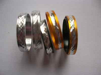 6 Tolle Glänzende Ringe Für Kinder Goldfarben, Schwarz Und Silber Je 2 Stück