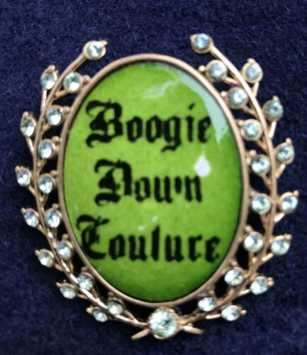 "Juicy Couture ""Boogie Down Couture"" Pin"