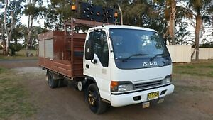 Isuzu-2005-NPR400-service-body-mobile-workshop-truck-compressor-generator-EX-GOV