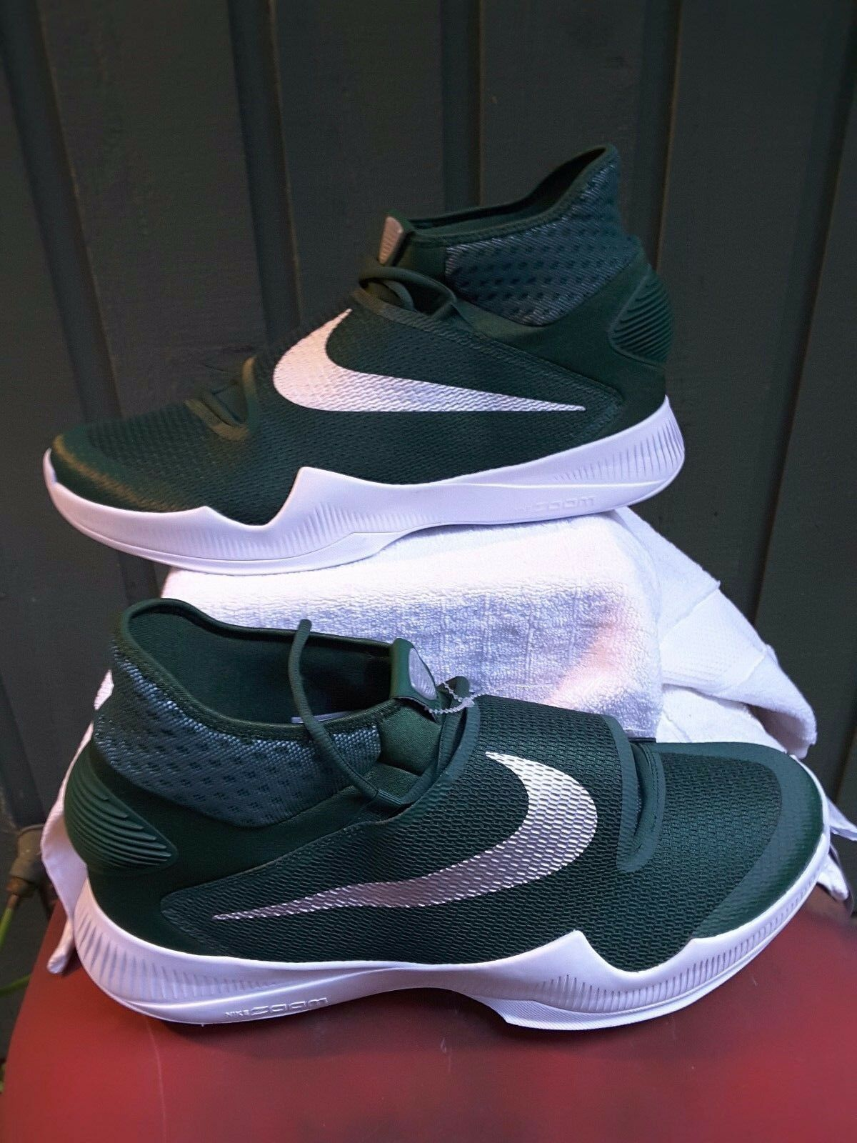 PEagle  Packer Jets   NIKE  HYPERREV  MENS GREEN & WHITE  SNEAKERS  sz 18  BN