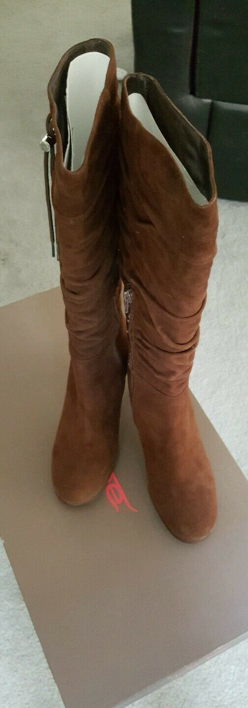 New In Box All Leather Chestnut Brown Vera Gomma High Heel Suede Boots sz 38 eu