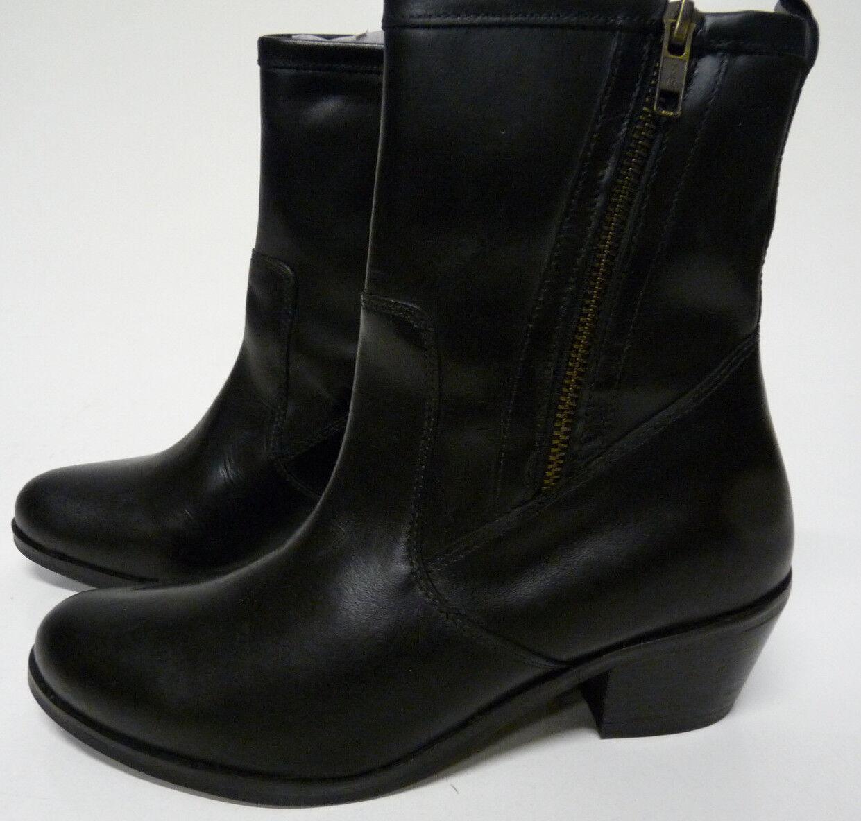 Mia 'Jive' Women's Black Leather Side Zipper Fashion Ankle Boots