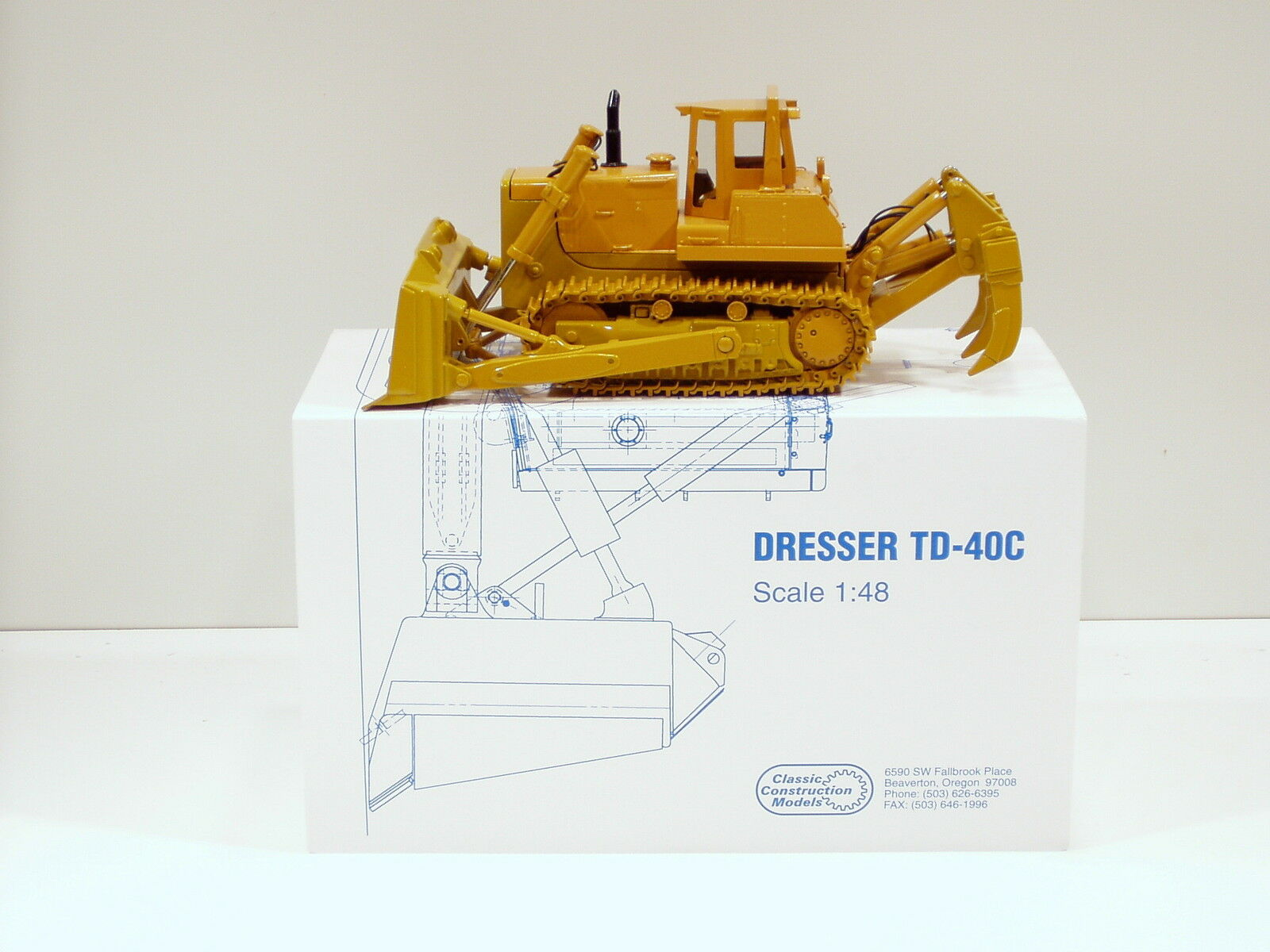 Commode TD40C DOZER with Cab & Ripper - 1 48 - CCM-NO DECALS