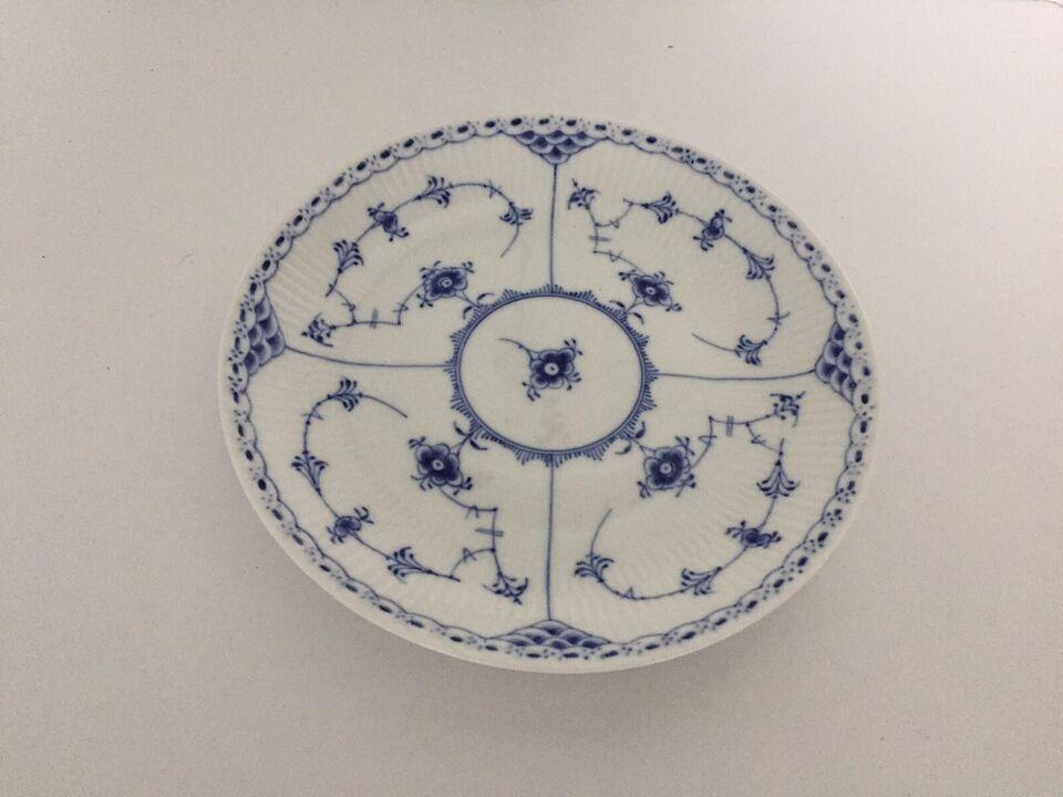 Porcelæn, Kagefad, Musselmalet halvblonde