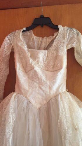 vintage wedding dress 1950's