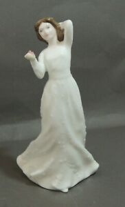 Royal-Doulton-034-Sentiments-With-Love-034-Lady-Figurine-HN-3393-Thames-Hospice