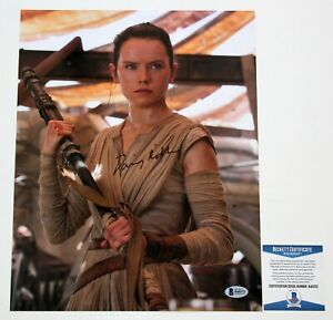 Autographed/Signed DAISY RIDLEY Rey Star Wars 11x14 Photo