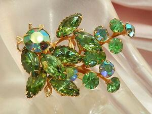 Vintage-1950-039-s-Very-Sparkly-Green-Navette-Rhinestone-Brooch-38A5