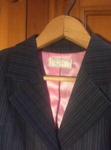DéVoué Le Wellington Collection Chasse Manteau, Gris Avec Rose/gris Clair à Rayures-afficher Le Titre D'origine Une Grande VariéTé De ModèLes