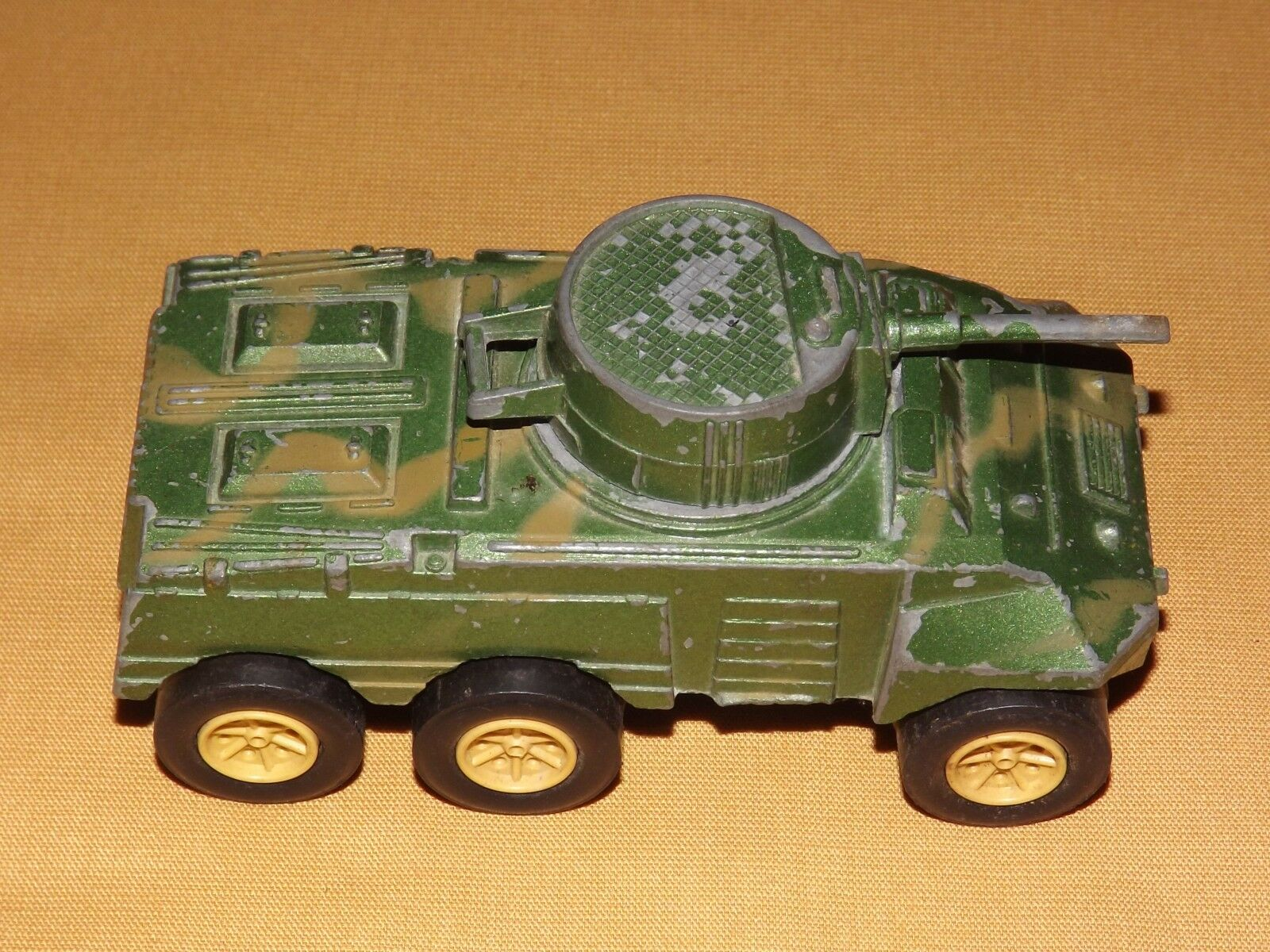 VINTAGE TOY   USA  4 3 4  LONG TOOTSIETOY METAL ARMORED CAR