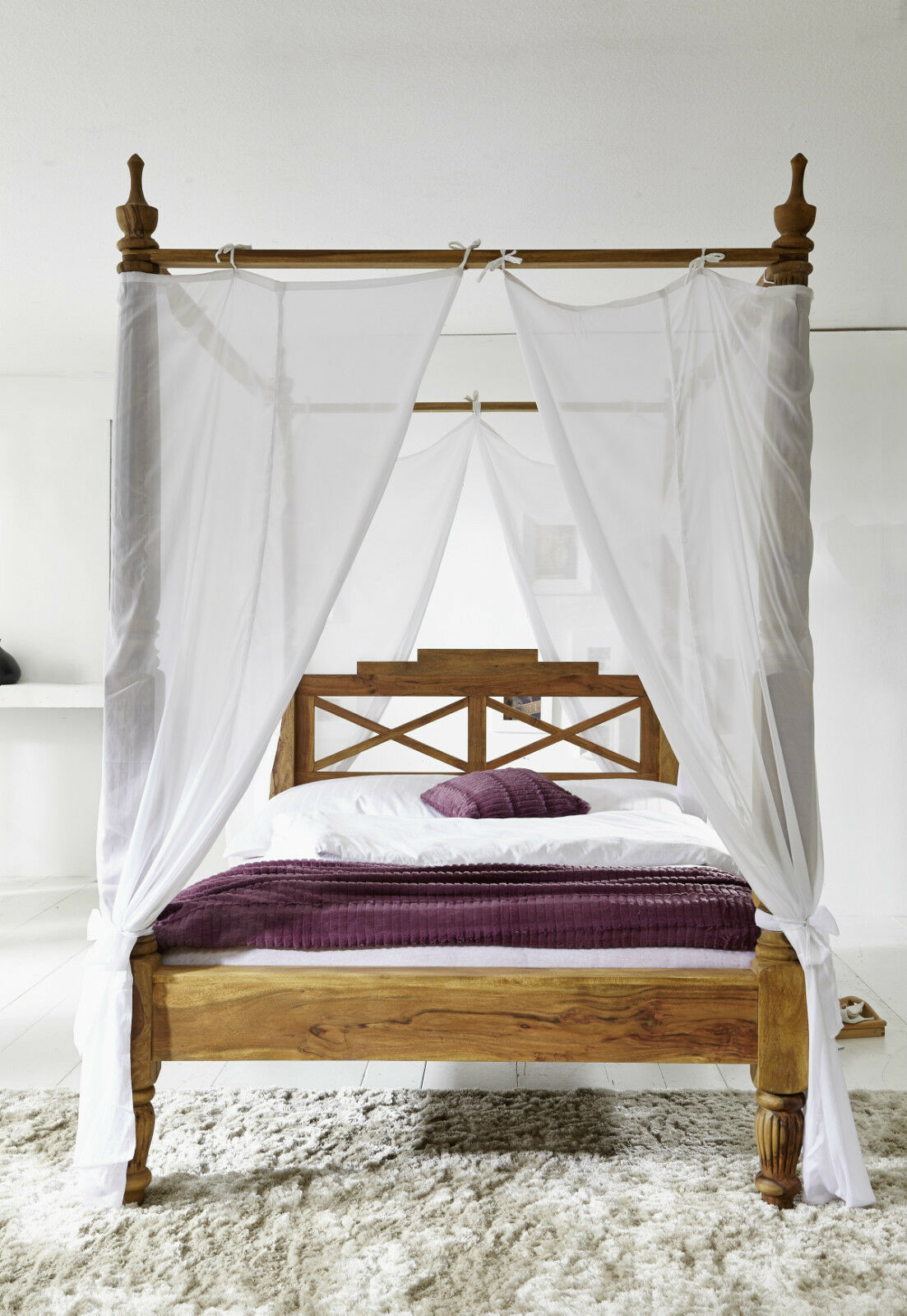 traumhaftes luxus himmelbett aus massiven palisander holz. Black Bedroom Furniture Sets. Home Design Ideas