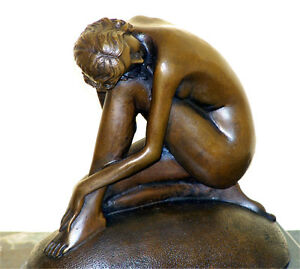 Bezaubernde-JUGENDSTIL-Bronze-AKT-AUF-FELSEN-sign-F-Preiss