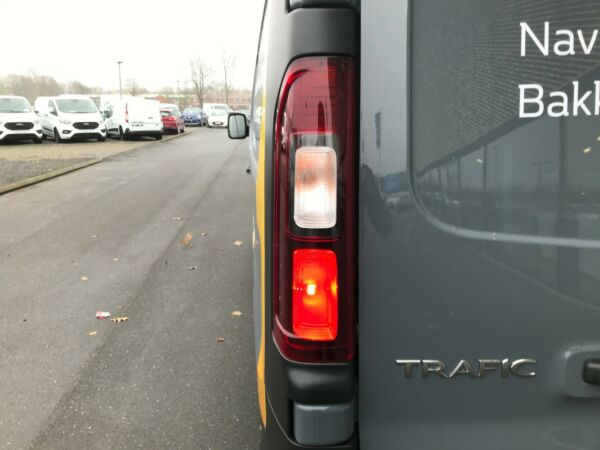 Renault Trafic T29 2,0 dCi 145 L2H1 billede 3