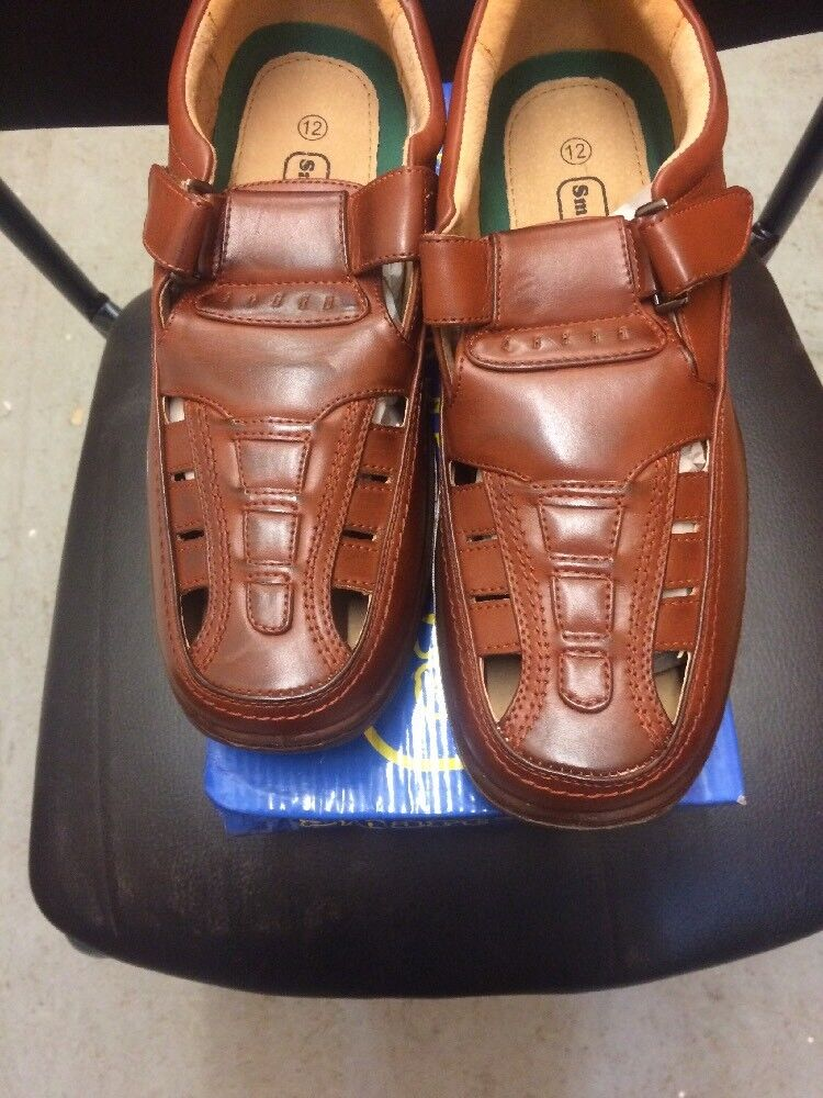 Mens Light Weight Closed Toe Sandal Size 12