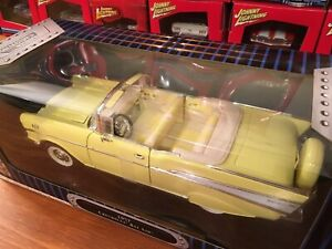 Road-Legends-Yat-Ming-1-18-1957-Chevrolet-Bel-Air-Convertible-Item-92018GF