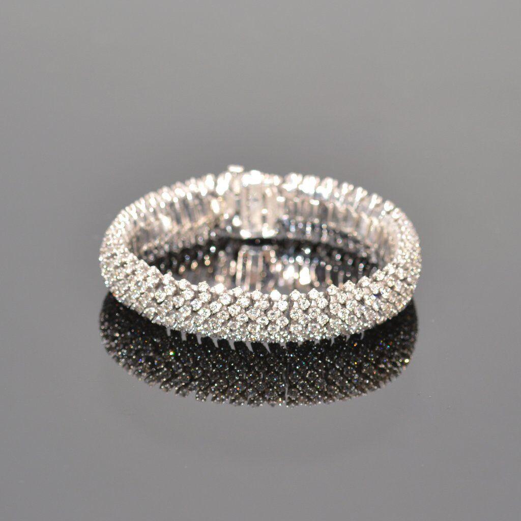 20 carat Diamond Bracelet in 18K white gold