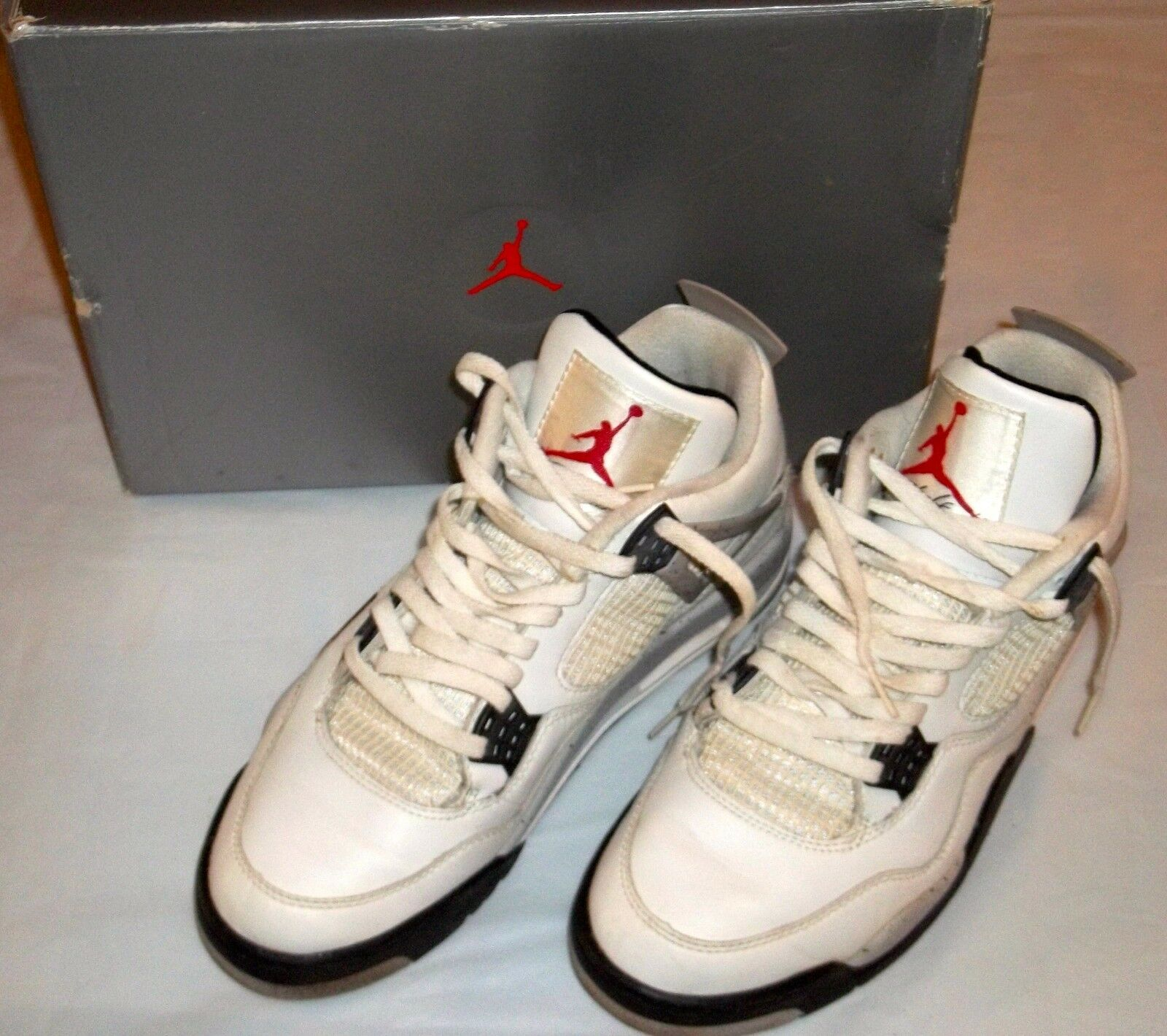 1999 Air Jordan IV 4 Retro Cement Grey White Size 10 shoes 136013-101 With Box