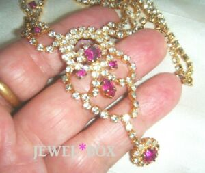 VINTAGE-Sparkling-Vivid-Pink-Diamond-Crystal-Rhinestone-Tassle-Drops-Necklace