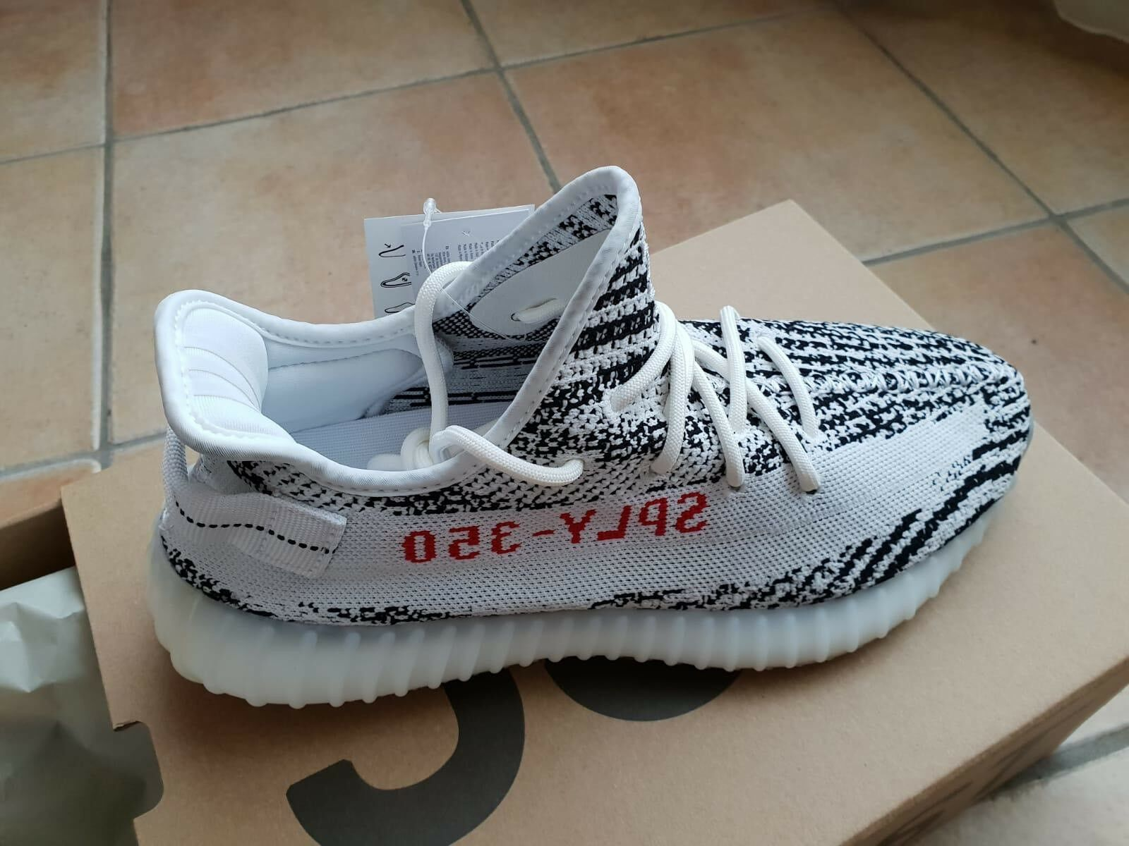 Adidas Yeezy 350 Boost V2 Zebra Zebra Zebra Dimensione 10 1 3 US Authentic 5fe771