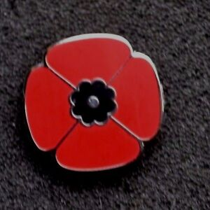 SMALL-RED-POPPY-REMEMBRANCE-ENAMEL-PIN-BADGE-BROOCH