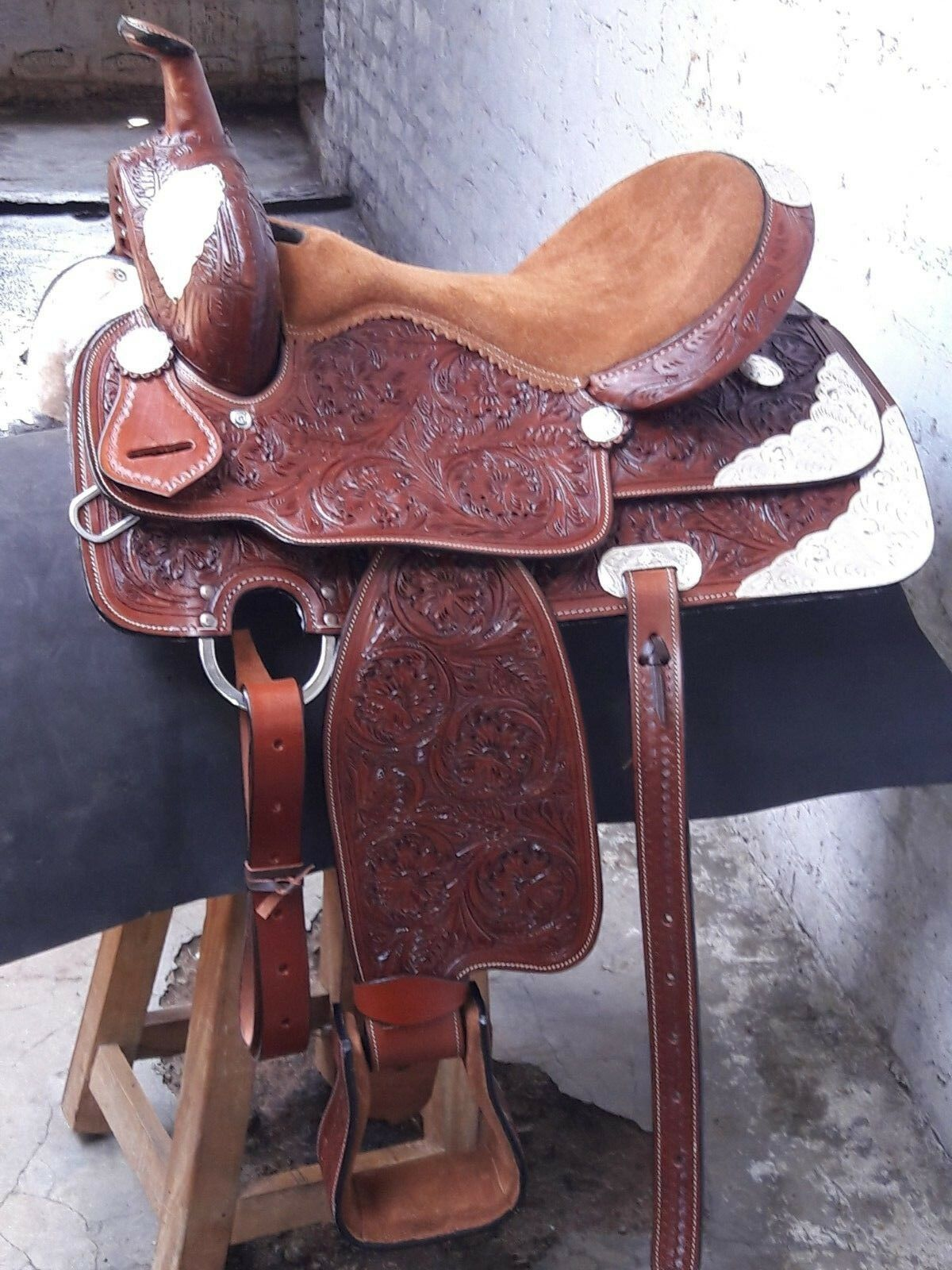 15'' western saddle Double T fully tooled show saddle pleasure  style  the best selection of
