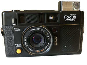 Yashica-Auto-Focus-Motor-35mm-Compact-Point-amp-Shoot-Film-Camera-in-case