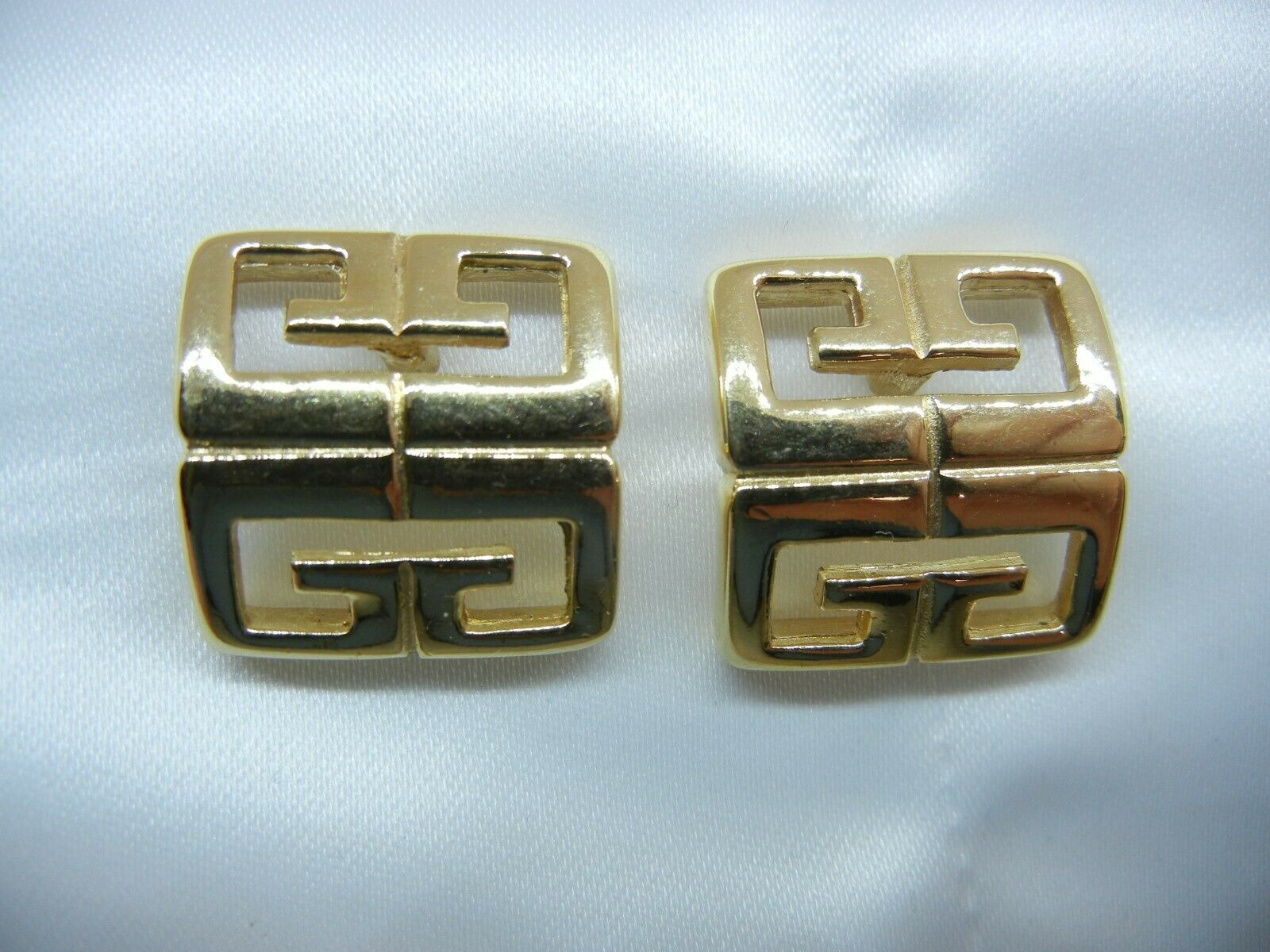 Givenchy Earrings Logo gold Plated Post