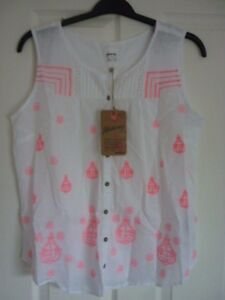 8c44c761422 Image is loading MANTARAY-WHITE-WOVEN-COTTON-PINK-EMBROIDERED-TOP-UK-