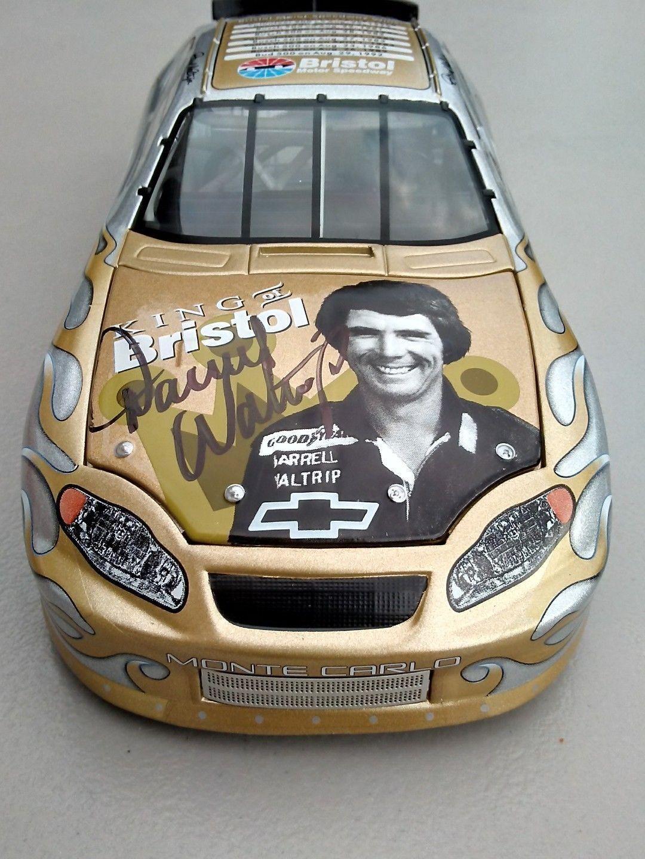 Darrell Waltrip Nascar 1 24 Chevy Race Car Raro Autografiada 2004 Monte Carlo
