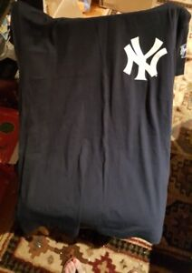 Majestic World Series 2000 New York Yankees Justice 28 Jersey Men s ... a29e7d4a299