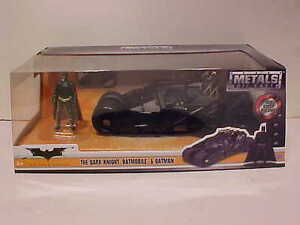 BATMAN-Dark-Knight-Batmobile-Tumbler-2008-Diecast-Car-1-24-Jada-Toys-8-inch-2009