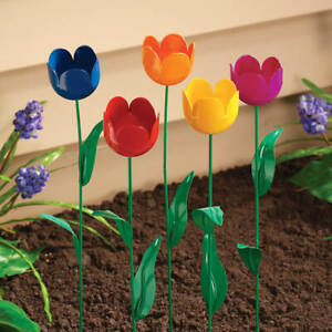 Metal-Flower-Blooms-Set-of-5-Garden-Tulip-Stake-Patio-Yard-Lawn-amp-Garden-Decor