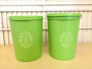 Vintage-2-Apple-Green-Canisters-Servalier-811-5-amp-6-with-1-Lid-Tupperware-6-034