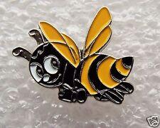 SALE 99p BUMBLEBEE HONEY BEE ENAMEL PRIDE MANCHESTER CARTOON COMIC BD PIN BADGE