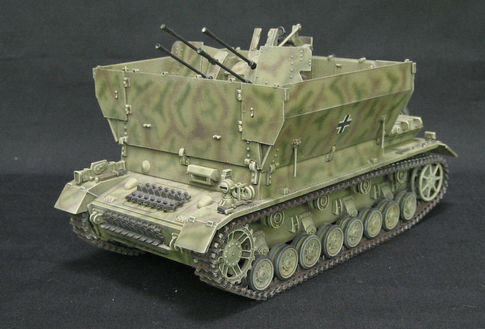 TAMIYA GERMAN FLAKPANZER IV FLAK PRO BUILT AND PAINTED 1 35 MODEL KIT