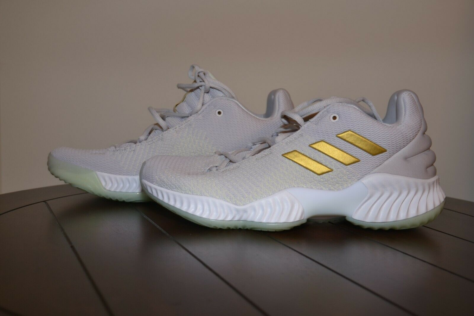 Adidas Pro Bounce 2018 Low Basketball shoes Grey One gold Sneakers B41863 Sz 9