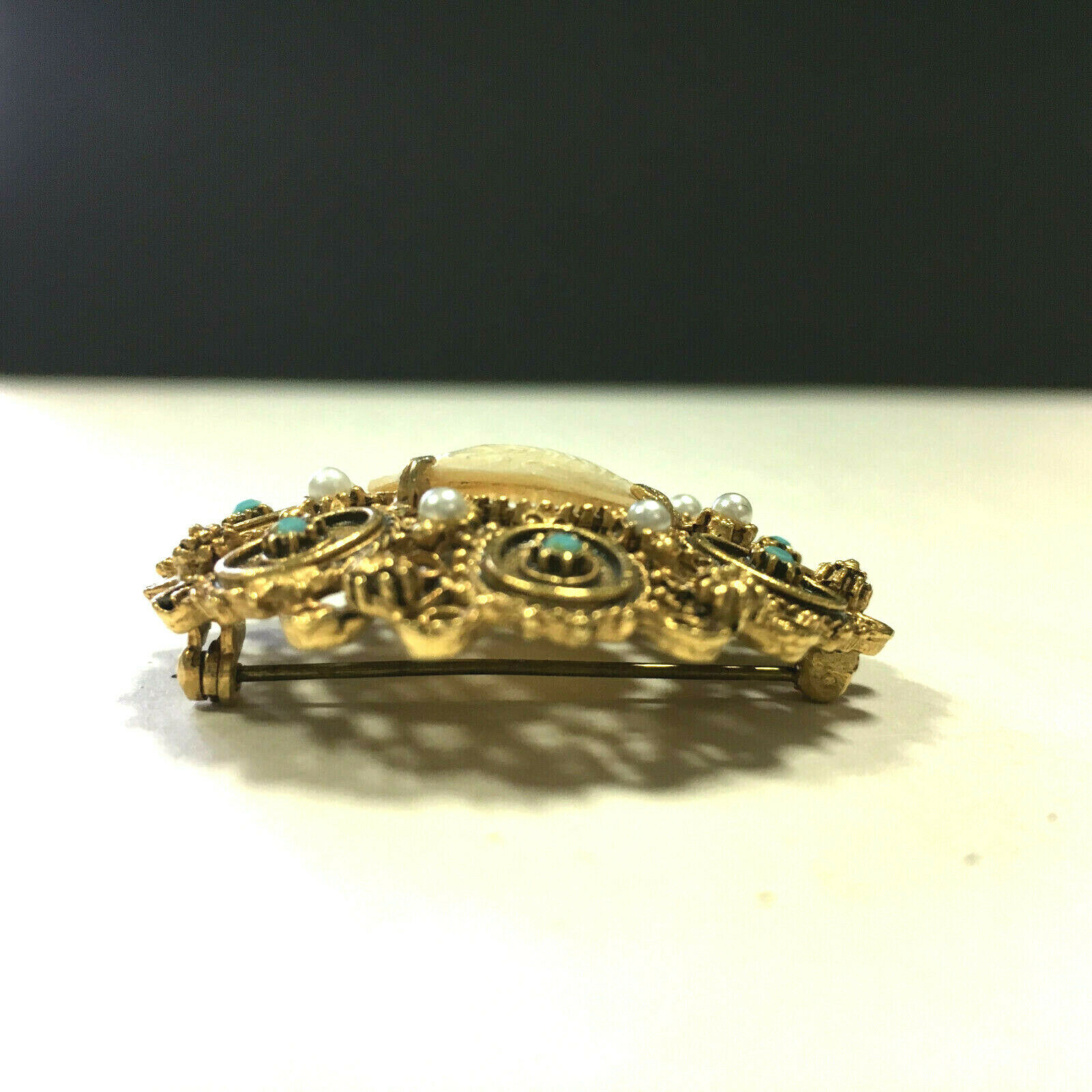 Big Ornate Vintage FLORENZA CAMEO Brooch Pearl & … - image 3