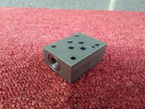 1//4 BSP Manifold 2 x 1//2 Bsp x 5 x 1//4 Bsp Single Sided Outlet Ports