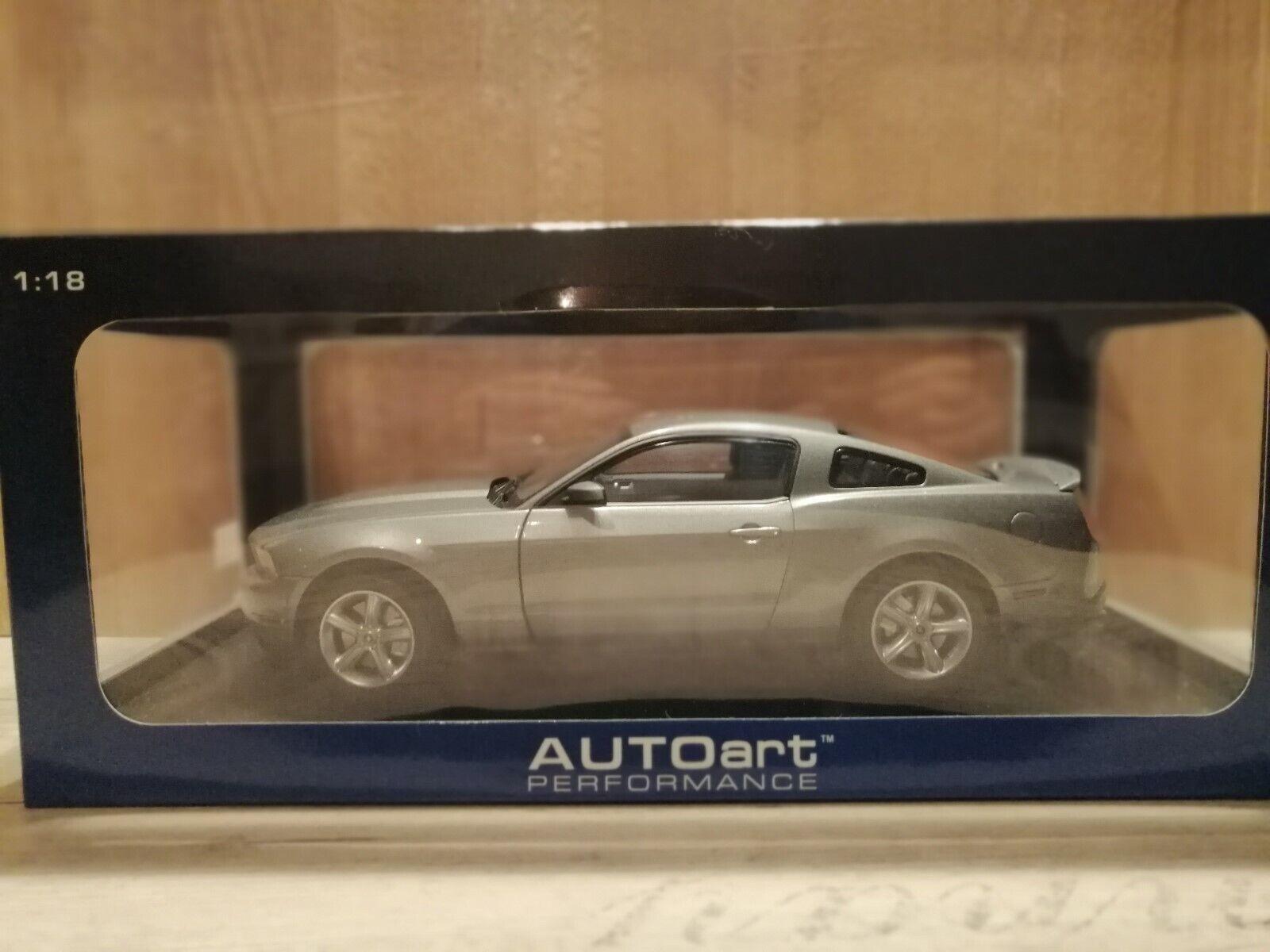 Ford Mustang GT 2010 Autoart 1 18 NEU  | Gutes Design