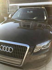 2012 Audi Q5 fully loaded excellent condition