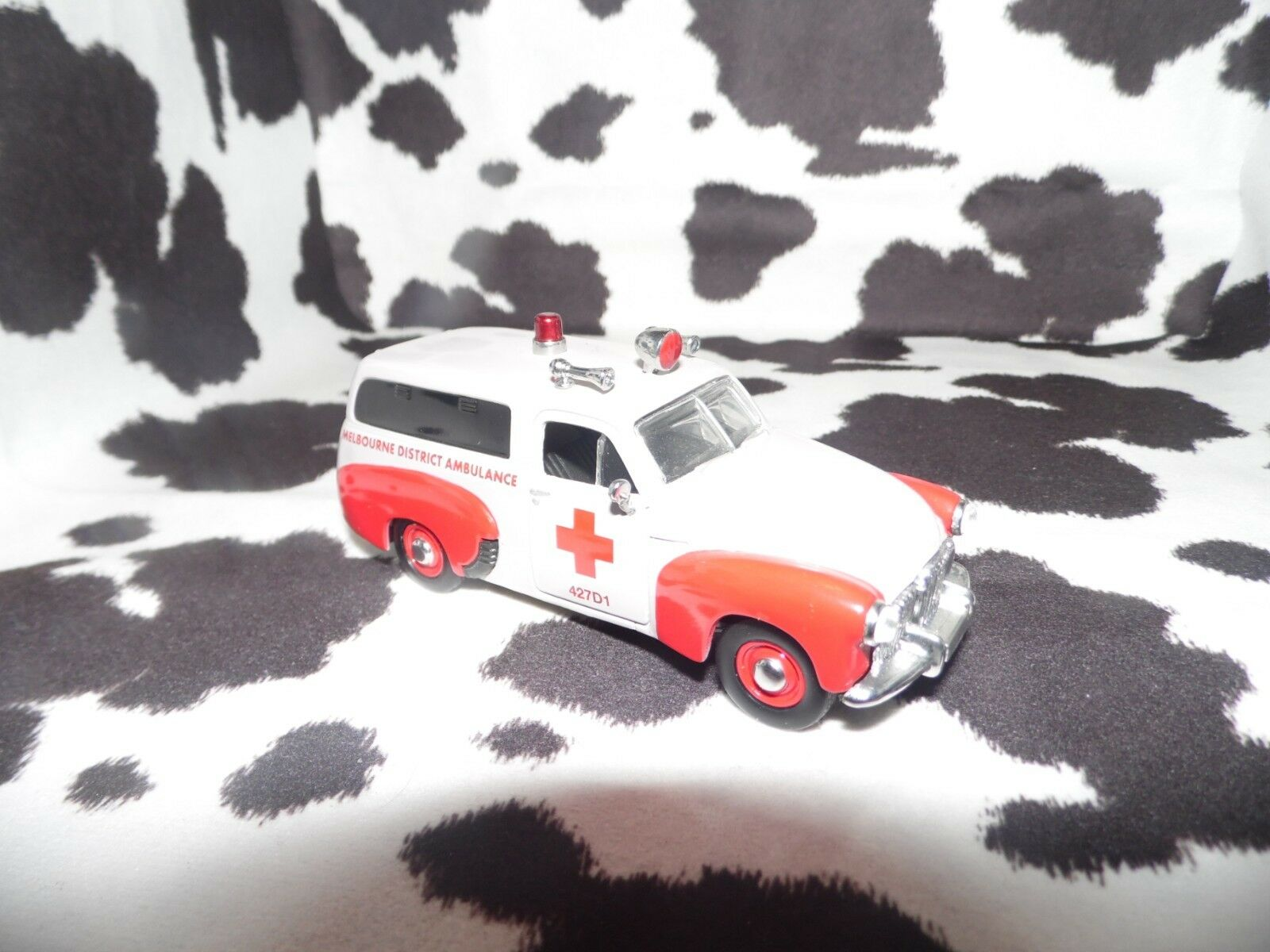 Matchbox 1955 Holden Australian Field Service Red Cross Ambulance  YYM38061