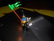 LEGO VINTAGE  minifigure   6073   Knight's Castle  black  horse yellow saddle