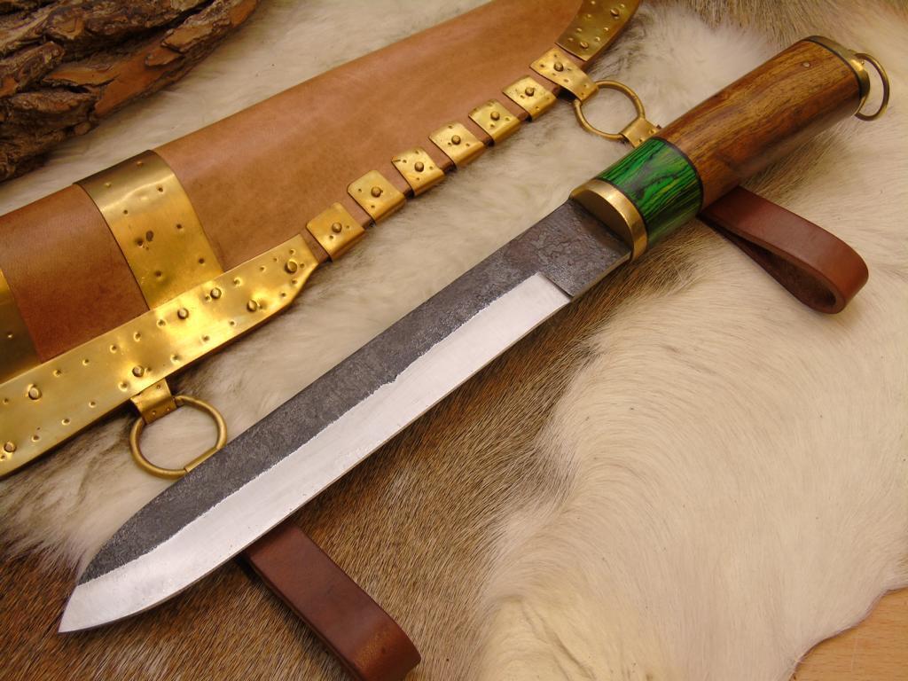 Wikinger Messer mit Leder/Messing Scheide handgeschmiedet Carbon Stahl (CC1)