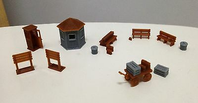 Outland Models Railway Classic Train Station Accessories Booth Bench    HO  Scale