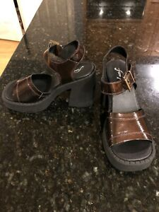 Free-People-Brown-Patent-Leather-Platform-Sandals-Size-38-7-NEW