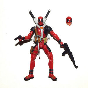 Marvel-Universe-3-75-034-Deadpool-with-a-Extra-Half-Masked-Head-Loose-Action-Figure