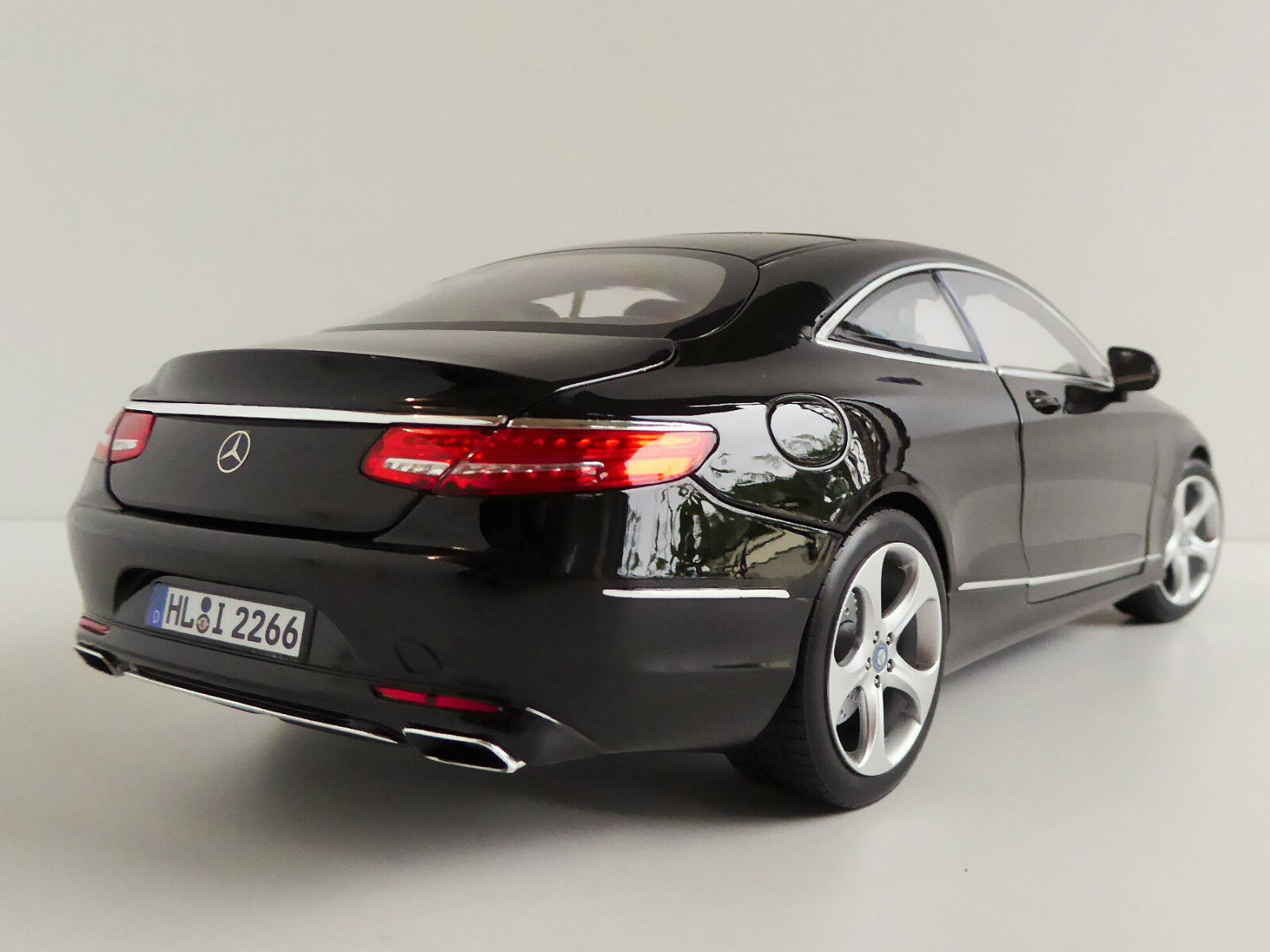 Mercedes-Benz S-Class Coupe 1 18 norev 183482 mercedes 218 clase s 217 s 500