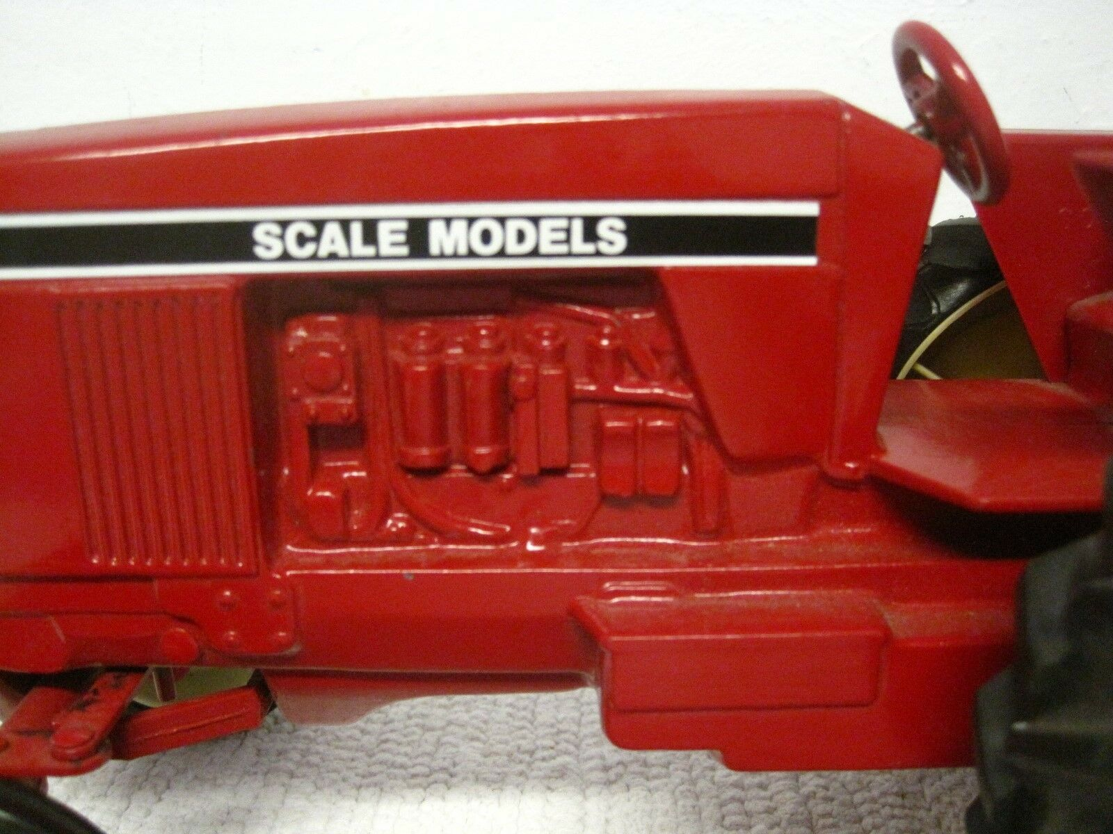 Vintage Scale Models Flat Fender Wide End End End Tractor Red Die-Cast 1 16 Scale-USA 0f3693