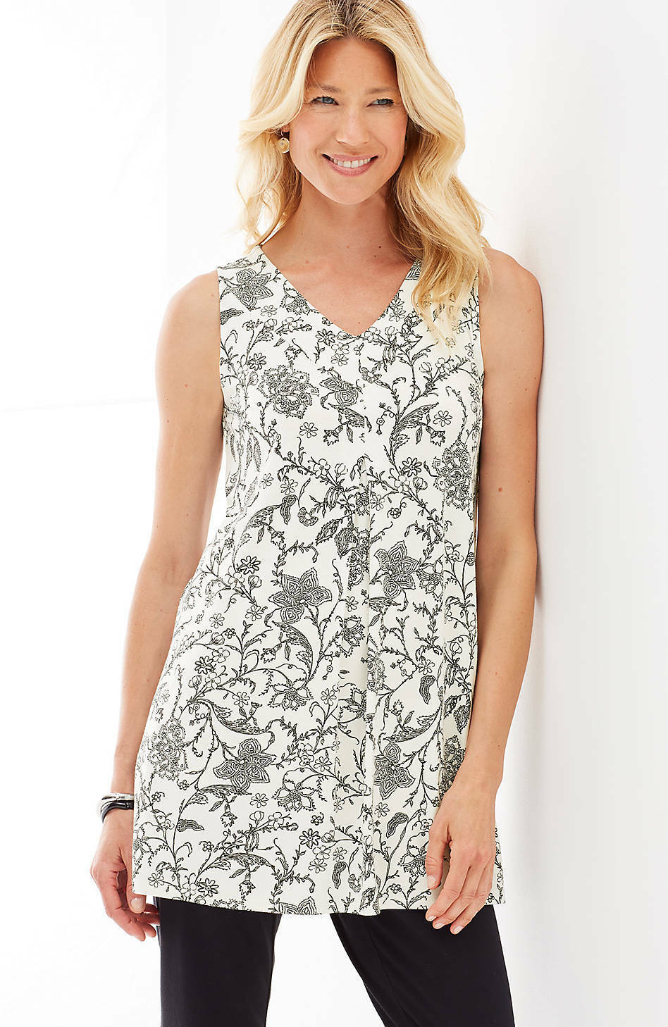 J. Jill - S - Stylish Cream Nouveau Floral  Wearever V-Neck Sleeveless Tunic