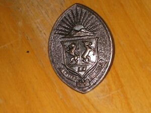 WW2-Canadian-Cap-Badge-University-of-Western-University-COTC-nice